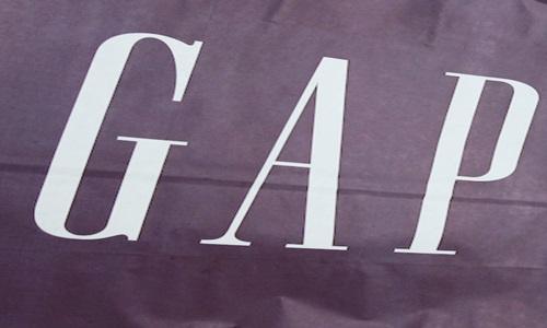 Gap Inc. plans to shut down hundreds of stores across shopping malls